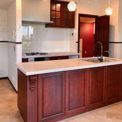 無垢材を使用した家具を超えたオーダーキッチン